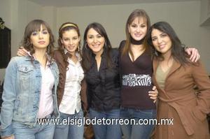 18122006 Laura García, Luz María Acuña, Renata Olivares, Jocelyn Pérez Lee y Elisa Esparza.