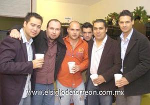 19122006 Mauricio, Roberto, Colly, Bobby, Carlos e Israel.