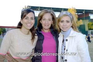 17122006  Begoña Nahle, Güera Montalbo y Arely Villarreal.