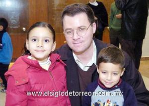 17122006  Jacobo, María Teresa y Jacobito Murra.