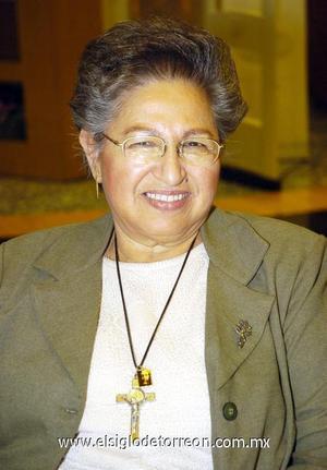 16122006   Guadalupe Román de Samia  festejó recientemente su cumpleaños