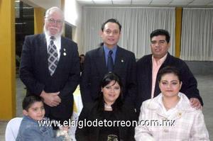 21122006 Juan Carlos Ramos, Verónica de Ramos, Miguel Ángel Rivera, Gabriela Rodríguez, Alejandro Morales y Edwin Iván Ramos.