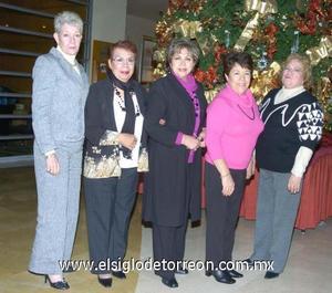 21122006 Magda de García, Elia de Millán, Jesu de De Anda, Anita de Lares y Blanca de Echávez, en la fiesta navideña del Grupo de los Viernes.