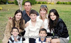 24122006  Salomón Juan Marcos V., Alicia Sáenz, Isabella, Ernesto, Ángela, Salomón y Abraham.