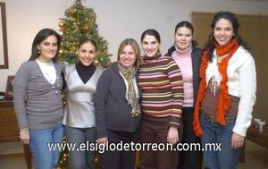 25122006 Cristina del Río, Claudia de Jaime, Beatriz de Fernández, Marcela Rojas, Silvia de Martínez y Blanca Sánchez.