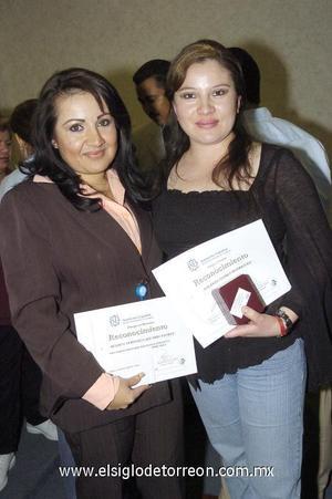 28122006 Verónica Aguirre y Betsabé Paredes.
