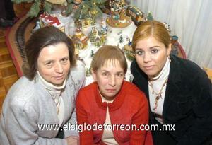31122006 Cristina de la Fuente de González, María Elena Galán de Arias y Claudia Verónica Gutiérrez de Lazalde.
