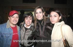 31122006 Kenia Moreno, Sofía Ceniceros, Fabiola Zepeda y Mario Montes.