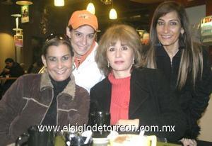 31122006 Laura Grageda, Ileana Grageda, Maricela Ojeda y Marce de Ayoub.