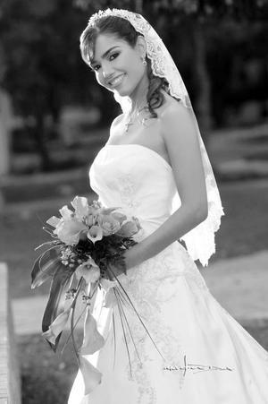 Srita. Maritza Magaly Gudiño Ramírez el día de su boda con el Sr. Gustavo Alejandro Fernández Herrada.   <p> <i>Estudio: Maqueda</i>