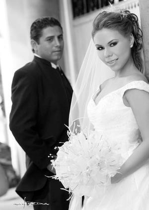 Srita. Diana de la Rosa González  el día de su enlace nupcial con el Sr. José Antonio Fausto Soto.