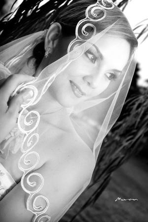Srita. Elena Guadalupe Faudoa Padilla el día de su boda con Sr. José Fernando Galarza Calderón.
