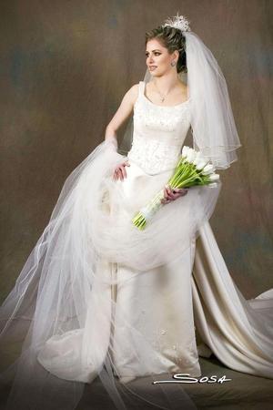 Srita. Katy Bonilla Murra, unió su vida en sagrado matrimonio a la del Sr. Raymundo Moreno Oropeza.  <p> <i>Estudio: Sosa</i>