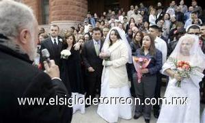 El Día de San Valentín fue el cómplice perfecto para que 250 parejas contrajeran matrimonio en una emotiva ceremonia masiva en Managua, que incluyó un enorme pastel y una fiesta organizada por una radioemisora nicaragüense.