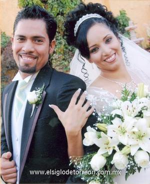 Ing. Jaime Vázquez Rangel y Srita. Karen Dalila Gutiérrez González, el día de su enlace nupcial.