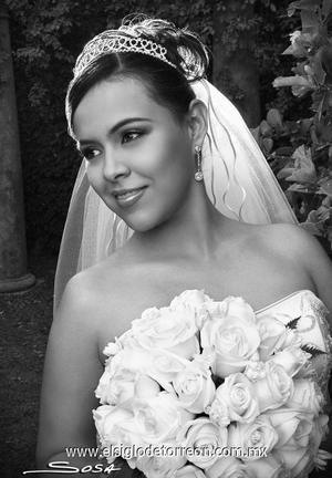 Lic. Tania Patricia Quiñones Zamora el día de su enlace nupcial con el Lic. Hugo Iván Casanova.   <p><i> Estudio: Sosa</i>
