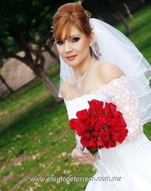Srita. Perla Alejandra Martínez Castillo el día de su boda con el Sr. Héctor Nicolás Padilla Ruvalcaba.
