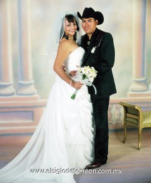 Sr. Hilario Escareño Fabela y Srita. Aída Luisa Guardado Olivares contrajeron matrimonio en la Catedral de Nuestra Señora del Carmen, el  dos de diciembre de 2006.