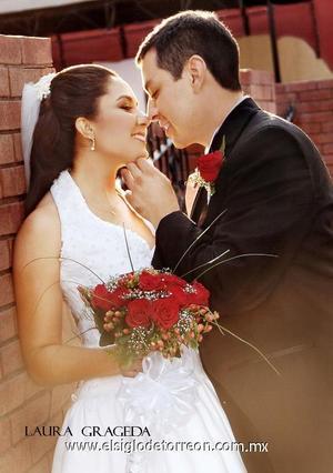 Sr. Ricardo Javier Murillo García y Srita. Fátima Alicia Rosales Robles contrajeron matrimonio en la capilla de la Santa Cruz de Casa de Cristiandad, 21 de octubre.   <p><i> Estudio: Laura Grageda</i>