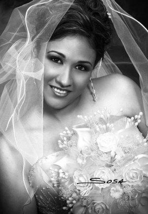 Srita. Yurita Moreno Beltrán el día de su unión matrimonial con el Sr. Jorge Leonardo Rodríguez Murguía.  <p> <i>Estudio: Sosa</i>