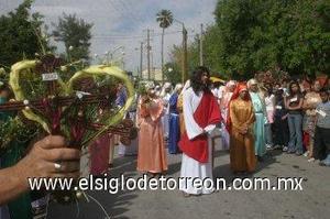 Representación de la llegada de Jesús a Jerusalén en la colonia Santa Rosa, durante el Domingo de Ramos. (Fotografía de Jaime de Lara)