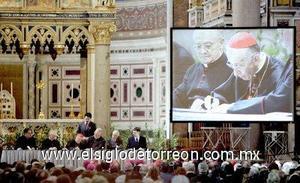 Funcionarios de la diócesis de Roma presidieron el cierre de la investigación, usando cintas selladas con cera para cerrar cajas de documentos que serán enviadas a la Congregación para las Causas de Santos para su consideración.