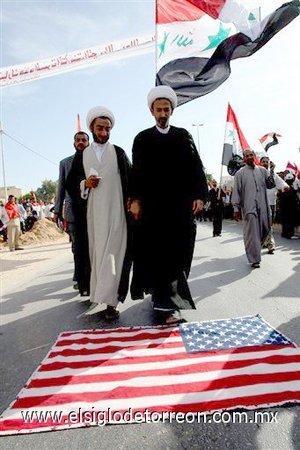 La multitudinaria protesta respondía al llamamiento realizado por Muqtada Al Sadr, quien instó hace cuatro días a todos los musulmanes a que mostraran su rechazo a la invasión de Irak.