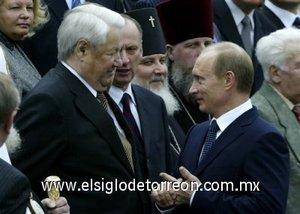 Propusó como su sucesor al actual presidente ruso, Vladímir Putin, elegido en marzo de 2000.