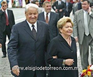 El 31 de diciembre de 1991 Yeltsin sorprendió a todo el país al anunciar que abandona el cargo antes de tiempo.