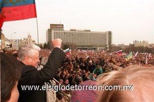 Fue reelegido presidente de Rusia el 3 de julio de 1996, y en diciembre del mismo año fue sometido a una operación a corazón abierto para instalarle cinco puentes coronarios.