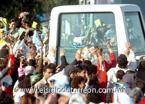 La misa de canonización de Frei Galvao es la segunda de las tres ceremonias públicas presididas por el Papa en Brasil, donde permanecerá hasta el domingo, día en que inaugurará la V Conferencia General del Episcopado Latinoamericano y del Caribe.