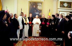 El Papa afirmó que la Iglesia siempre defenderá la familia, la vida, desde su comienzo hasta su ocaso natural, y a las poblaciones indígenas.