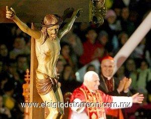 El Papa Benedicto XVI vista Brasil para una visita pastoral de cinco días, la primera que hace a un país de América Latina.
