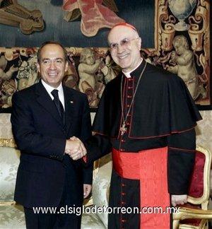 El mandatario se reunió en privado con el secretario de Estado del Vaticano,  el cardenal Tarcisio Bertone.