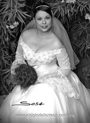 Lic. Norma Fabiola Dena Juárez el día de su enlace nupcial con el Lic. Juan David Moreno del Real.  <p> <i>Sosa</i>