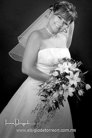 Lic. Alma Elisa Sánchez Vargas unió su vida en matrimonio a la del Sr. Juan Carlos Rodríguez Ávila.-   <p> <i>Estudio Laura Grageda.</i>