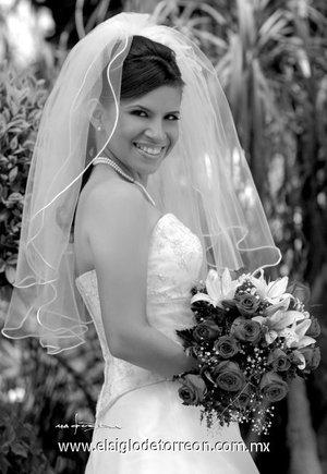 Srita. Griselda Ortiz Sánchez, unió su vida en matrimonio a la del Sr. Julio César Antuna Lara. <p> <i>Maqueda</i>