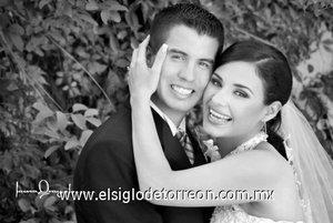 Sr. Fermín León González y Srita. Mariana Barraza Padilla, unieron su vida en ceremonia religiosa <p> <i>Laura Grageda</i>
