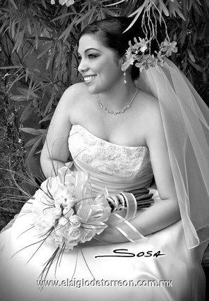 Ing. Adriana Margarita Miranda Lara, el día de su boda con el Dr. Carlos Alberto Sotoluján Ríos. <p> <i>Studio Sosa.</i>