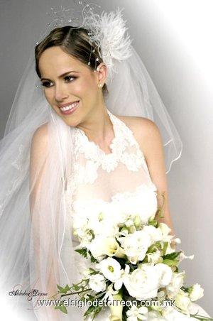 Srita. Kareny Machado Flores, el día de su boda con el Sr. Ricardo Zugasti Iturriaga. <p> <i>Estudio Aldaba & Diane.</i>