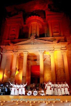 El monumento de Petra en Jordania, complejo arquitectónico de origen nabateo de dos mil años de antigüedad, quedó segunda en las votaciones de los internautas sólo superada por la Gran Muralla China.
