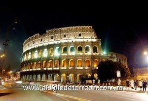 El Coliseo, conocido en su origen como Anfiteatro Falvio o simplemente Amphitheatrum, es el anfiteatro romano más famoso, que se alza en el centro de la capital italiana.