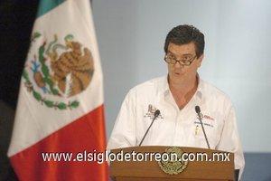 El alcalde de Torreón y el gobernador de Coahuila agradecieron al presidente, Felipe Calderón, los operativos de las fuerzas de seguridad federales en la ciudad y le manifestaron su respaldo total en la lucha contra el crimen organizado.