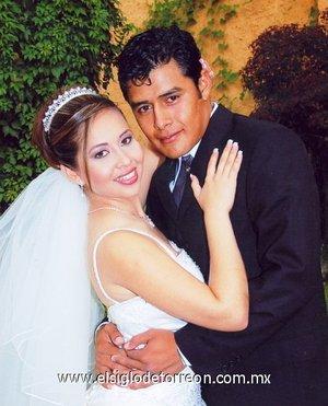 Sr. Aarón Rangel Ramíre y Srita. Yolanda de la Cruz Contreras contrajeron nupcias.