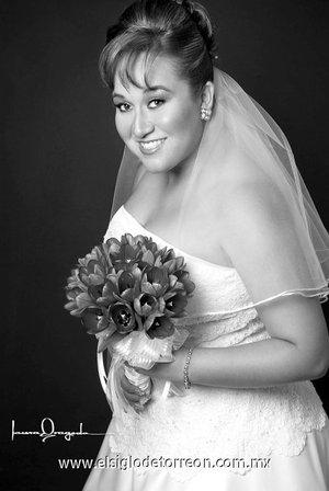 Srita. Aurora del Carmen Zubiría Cabello unió su vida en matrimonio a la del Sr. Ignacio Aldama Baeza. <p> <i>Estudio Laura Grageda.</i>