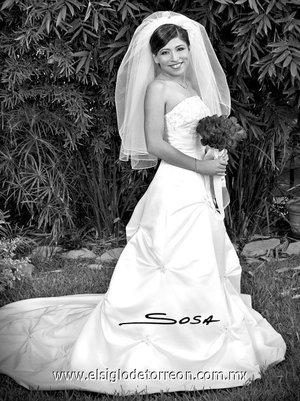 Srita. Ileana Aidé Sustaita Arguijo unió su vida en matrimonio a la del Sr. Julio César Rodríguez Hernández. <p> <i>Studio Sosa.</i>