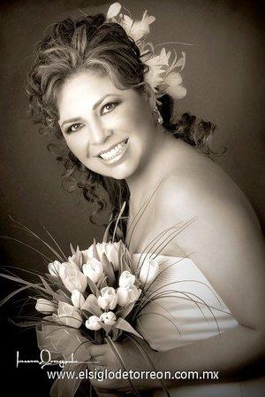 Srita. Victoria Armendáriz Ortega unió su vida en matrimonio a la del Sr. Luis Porras Castillo. <p> <i>Estudio Laura Grageda.</i>