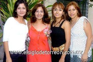 02082007 Gisela Reyes Zavala disfrutó en compañía de sus amigas Saraí, Yadhira y Patricia el festejo que le ofrecieron por su próximo matrimonio.