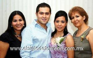 03082007 Érika y sus abuelitos Raúl Rivera Alderete y Clelia Morán de Rivera, los acompaña José Daniel Venegas.