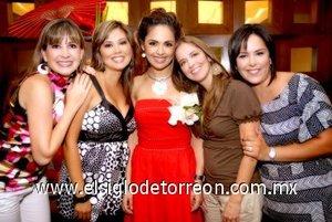 03082007 Lilia Sánchez, Massiel Manzanera, Valeria Valencia y Ana María Sánchez acompañaron a su querida amiga Ruth en su fiesta.